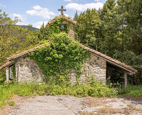 Ermita San Juan de Lemedaro en Ajangiz